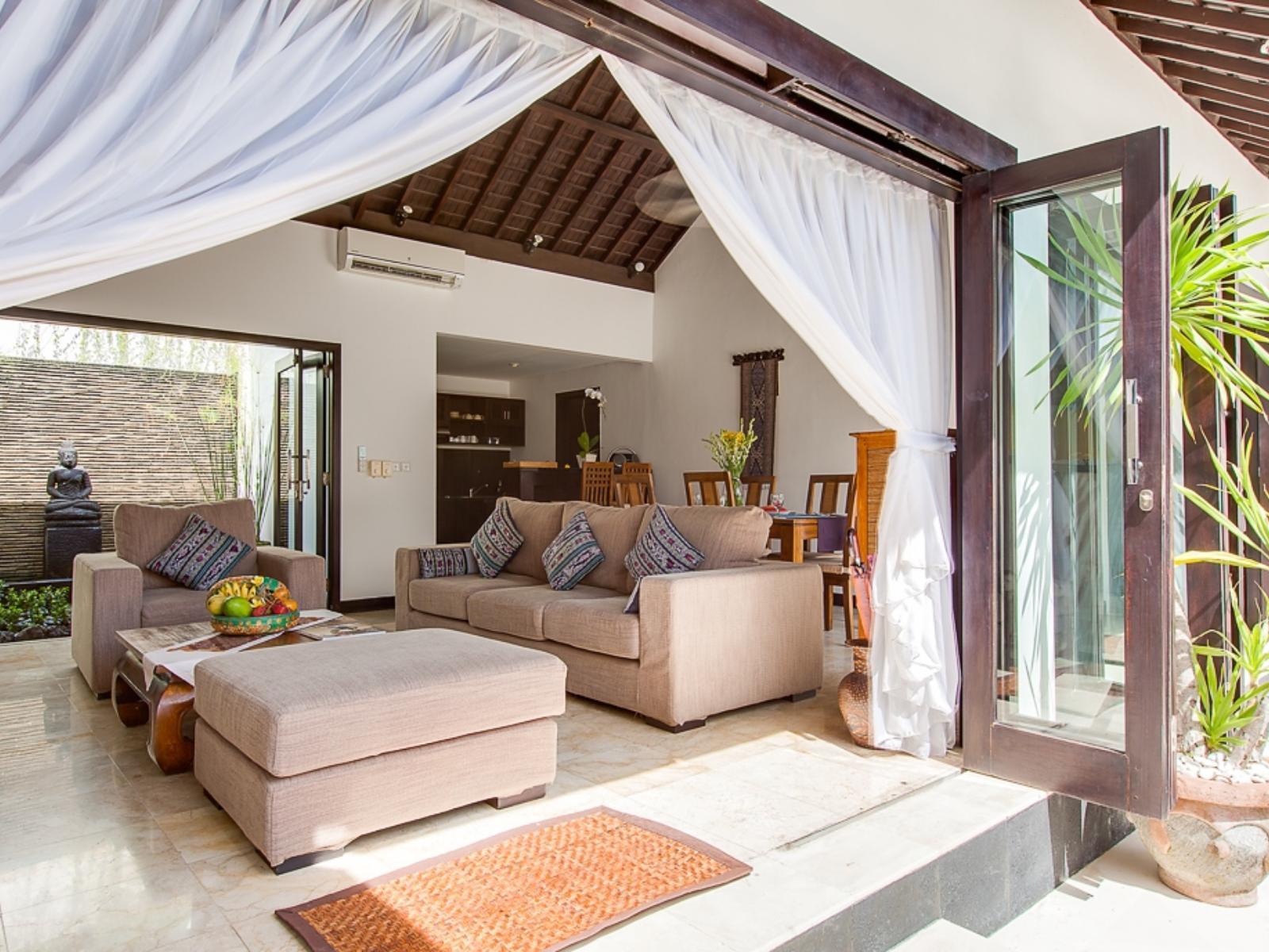 Villa Alamanda - Puri Tirta