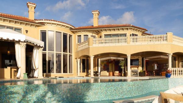 Casa DeLeon