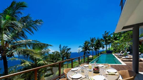 Malimbu Cliff Villa