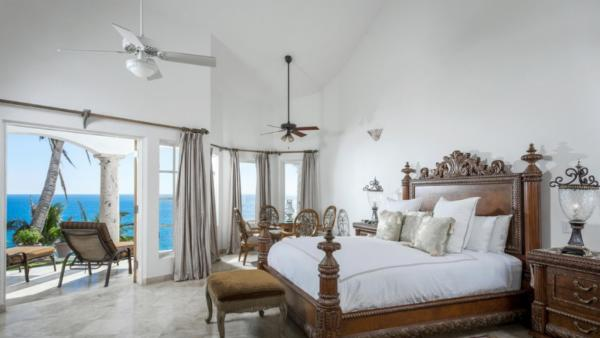 Spectacular views of the sea from your own private retreat