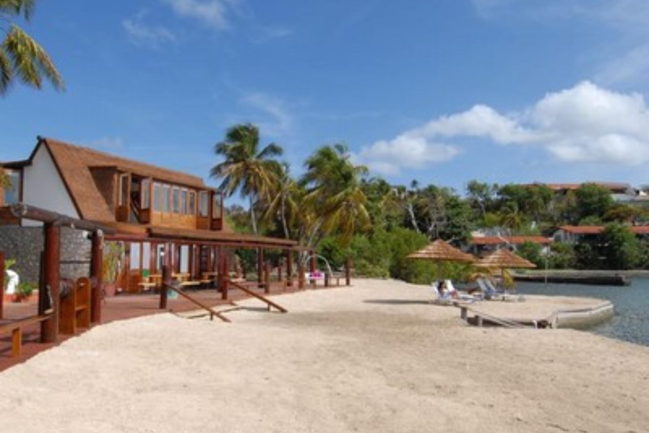 Mount Hartman Bay Beach House