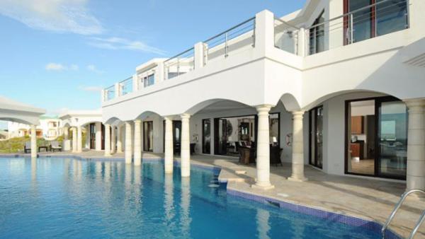 Moonraker Villa