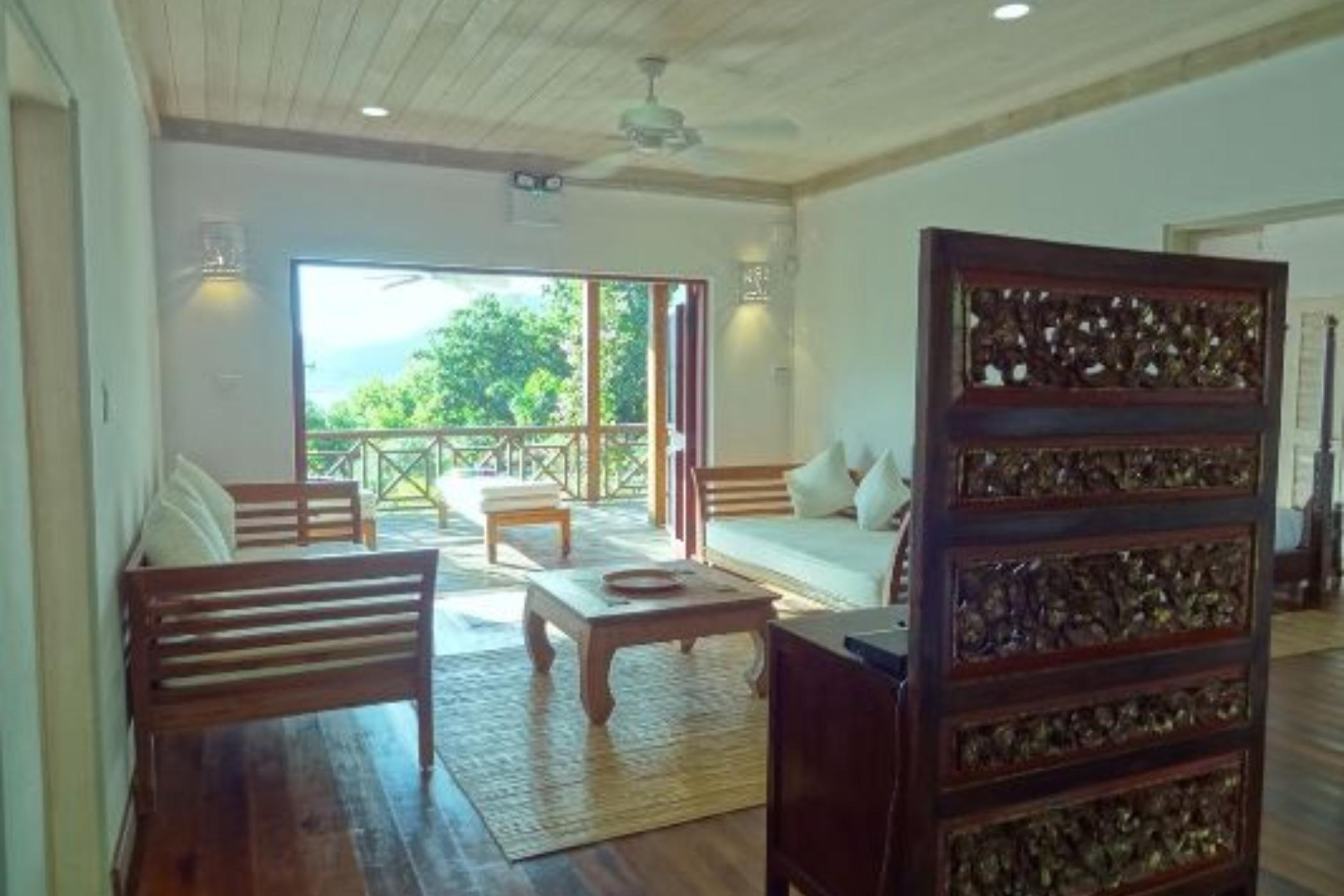 Zandoli - Antigua