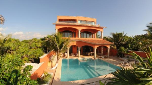 Six bedroom Mexican hacienda-style villa with a touch of Italian design