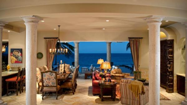 Beachfront Villa 462