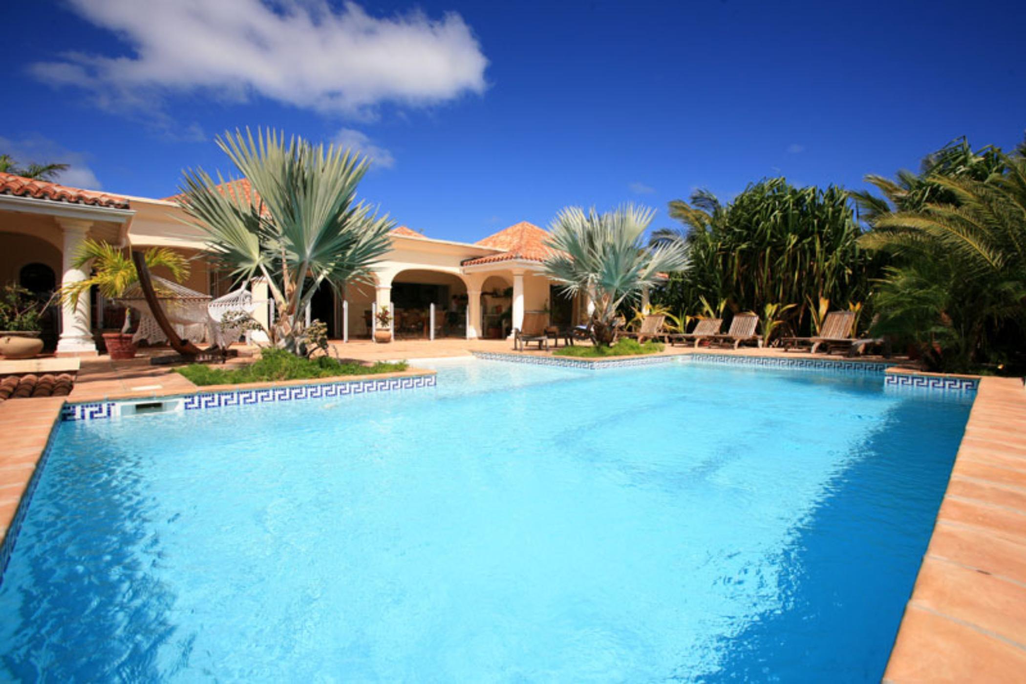 Casa Del Sol Orient Beach Villaway 174