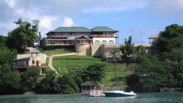 L Anse aux Epines House