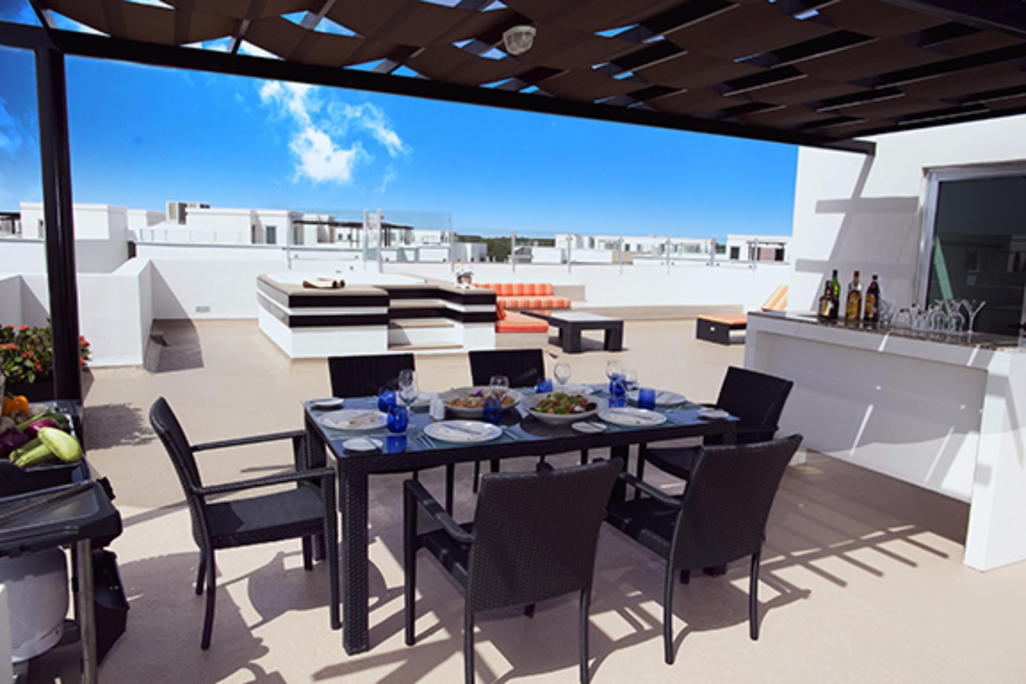 Azul Fives One Bedroom Sky Suite
