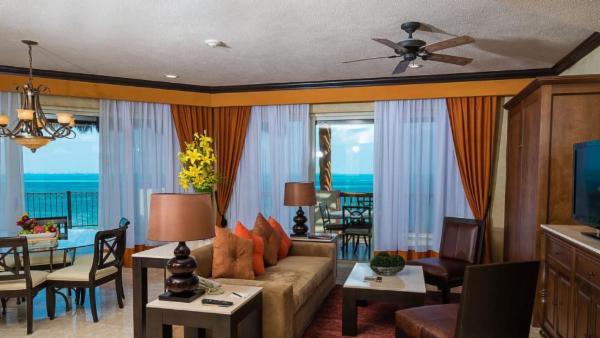 Villa Del Palmar -3br Master Residence