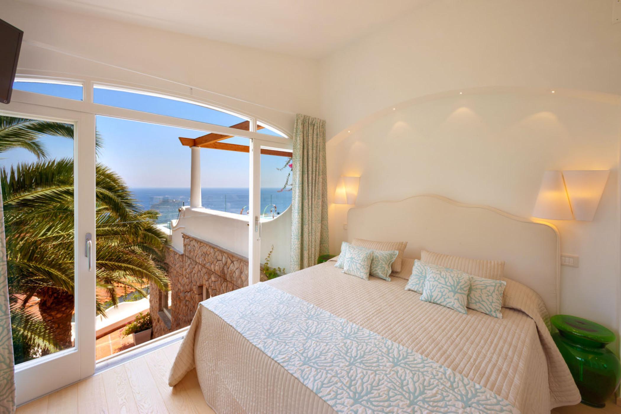 Продажа отелей в италии на море