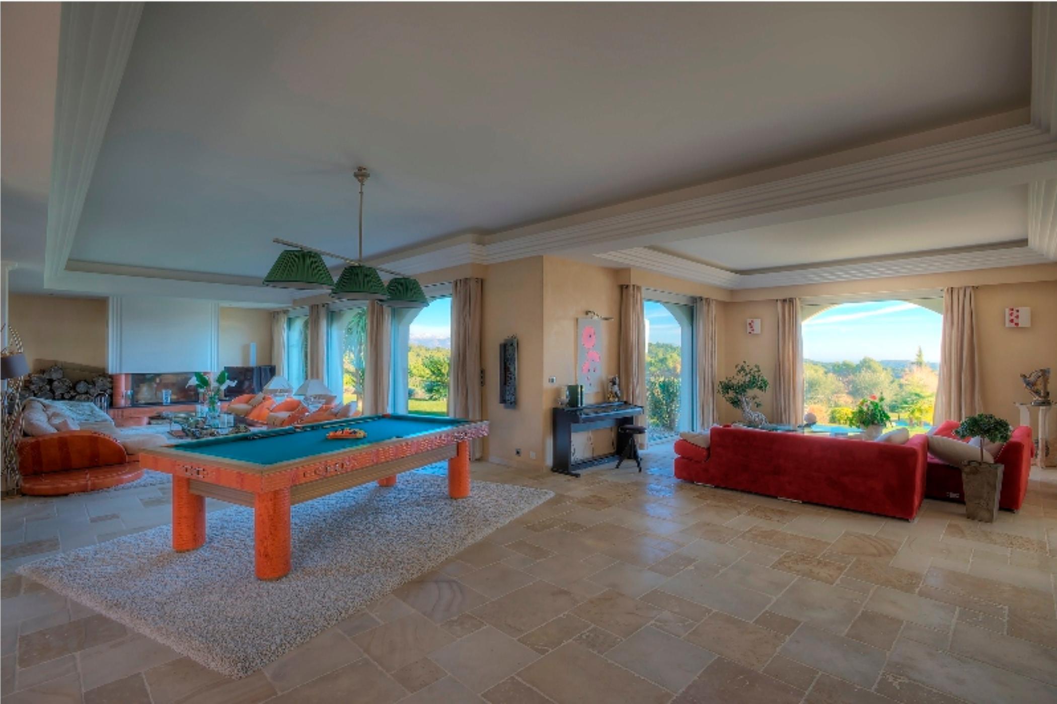 Riviera Glamour