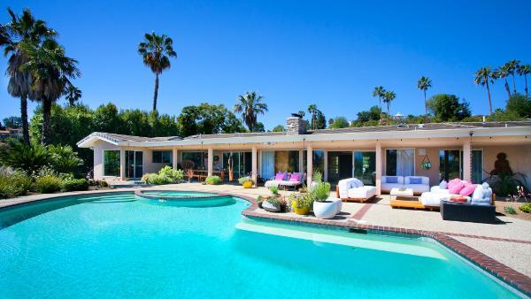 Hollywood Summer Escape