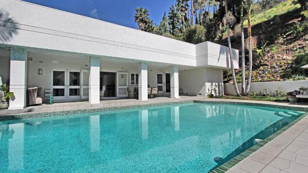 Beverly Modern Oasis
