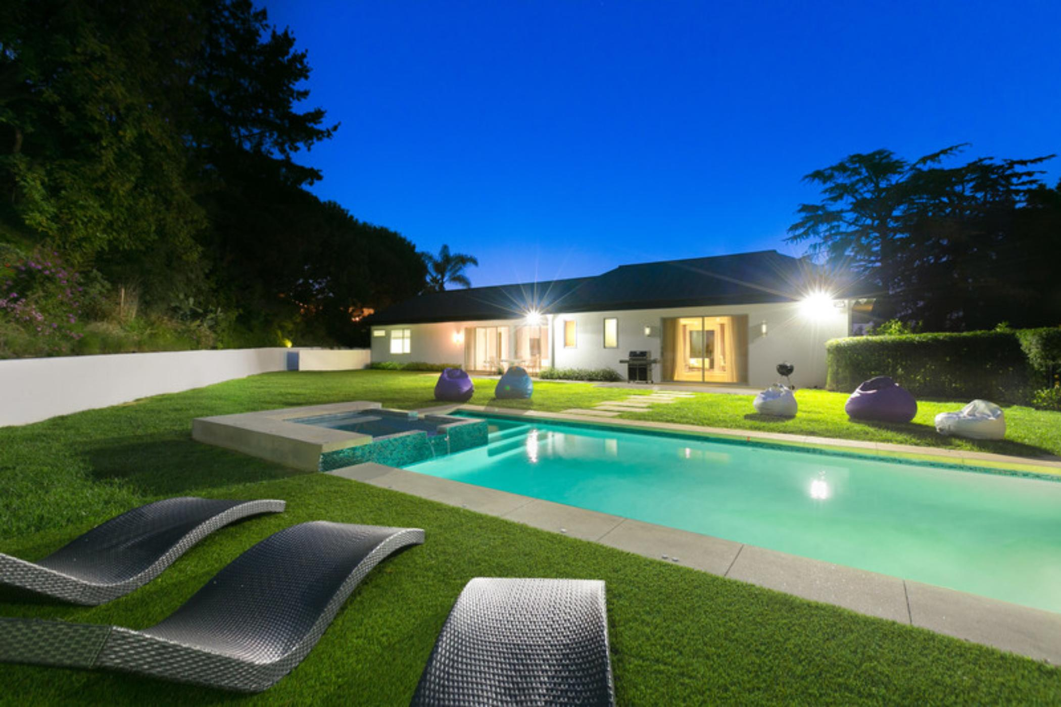 Hollywood Contemporary Retreat