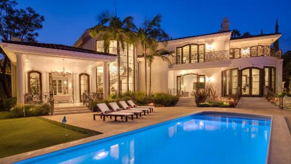 California Contemporary Mediterranean
