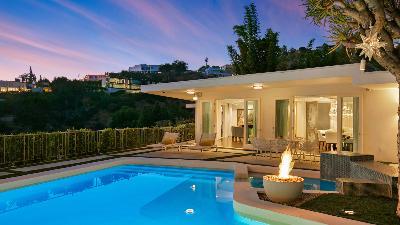 Hollywood Hills Glamorous Villa