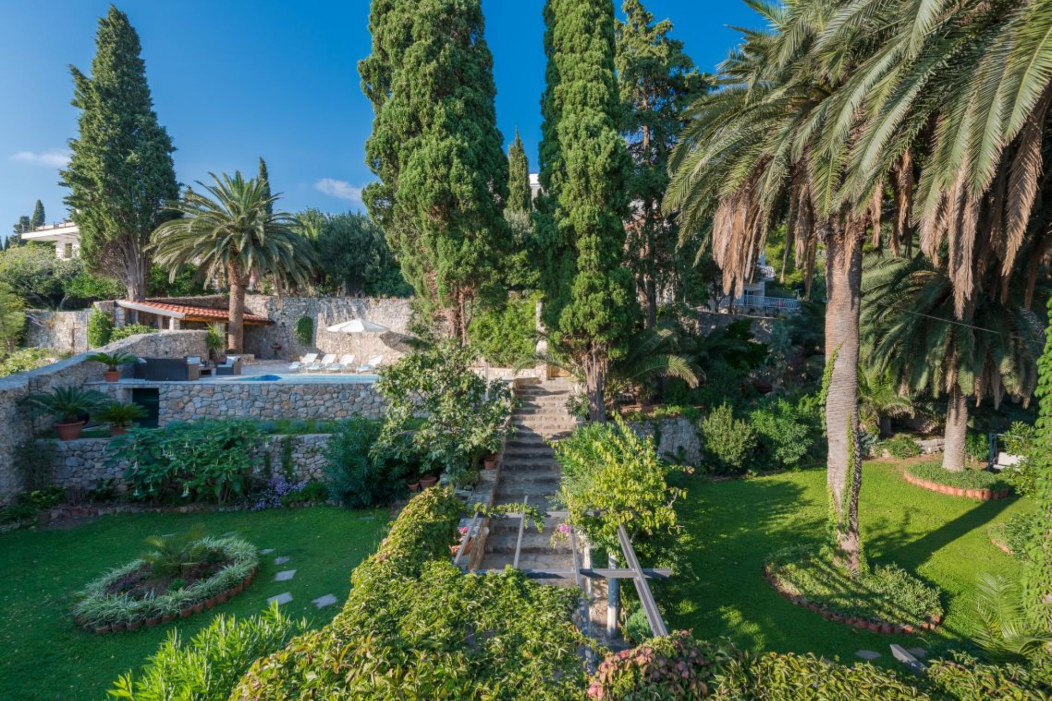 Villa Mlini