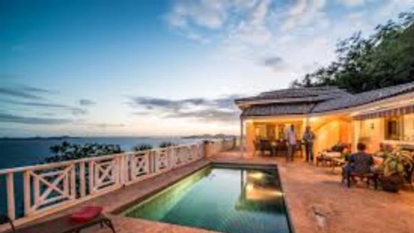 Summer Heights Villa