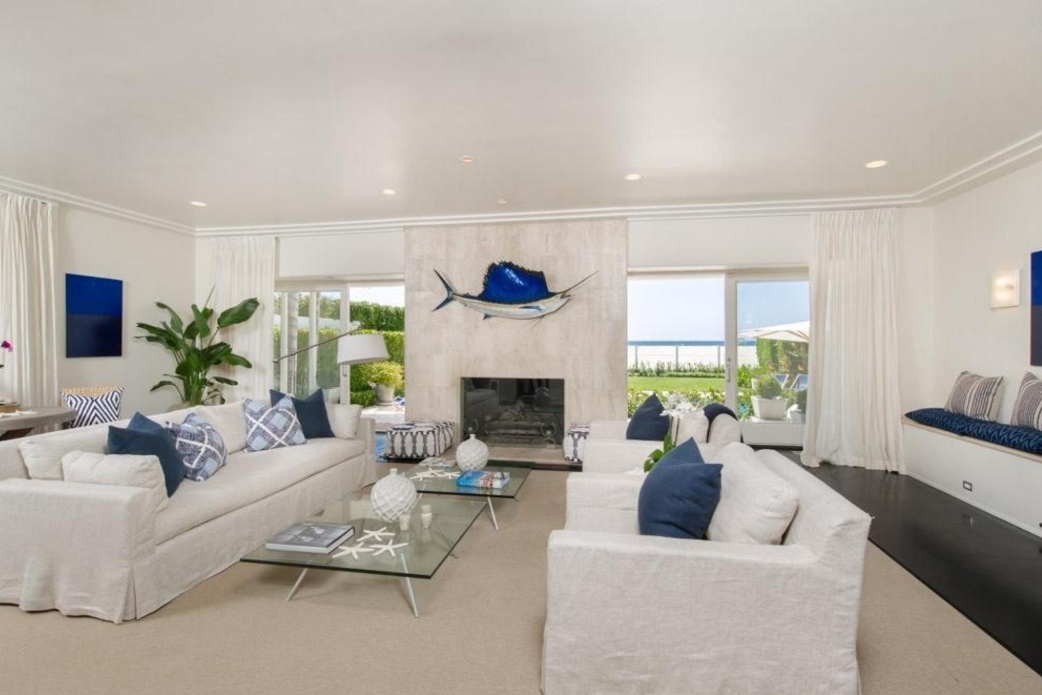 Contemporary Luxury Beach Villa Villaway