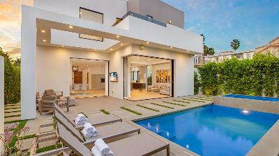 Beverly Crescent Luxury Villa
