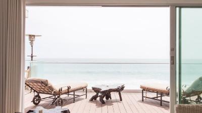 Malibu Beach Modern Escape