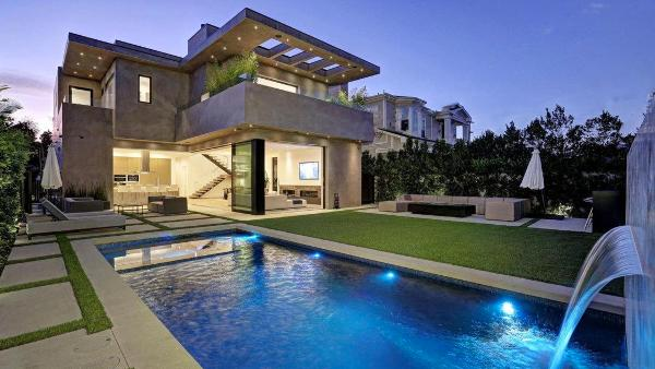 Beverly Hills Contemporary Villa