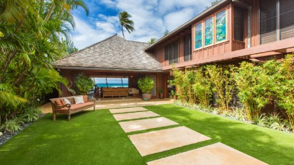 The Villa on Diamond Head Beach
