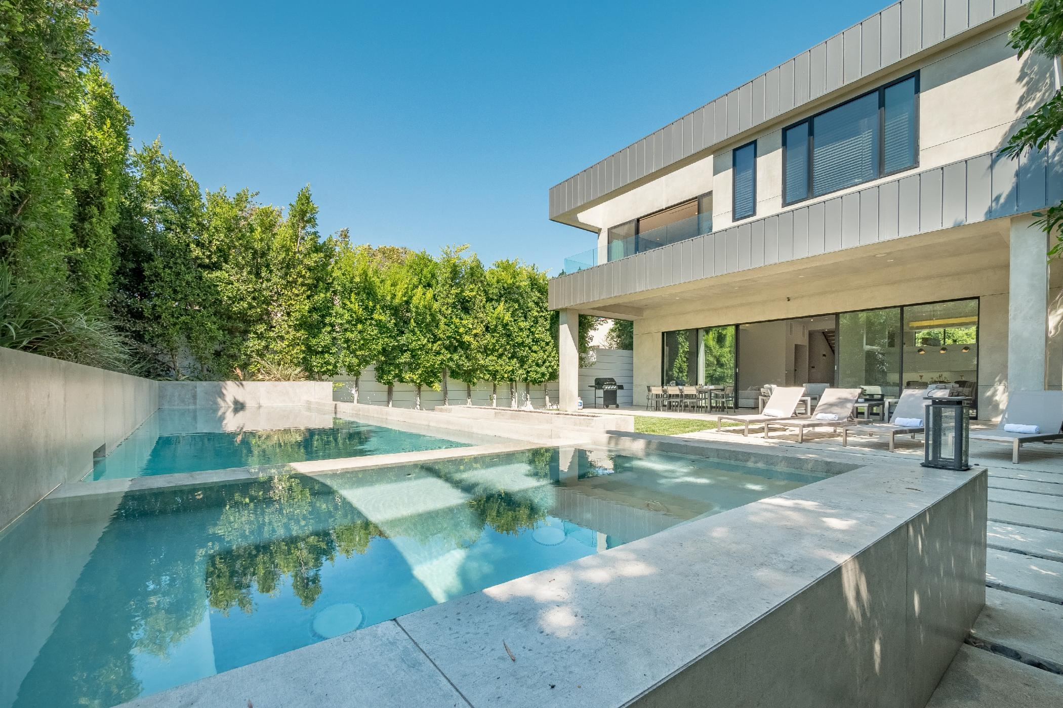 Melrose Modern Estate