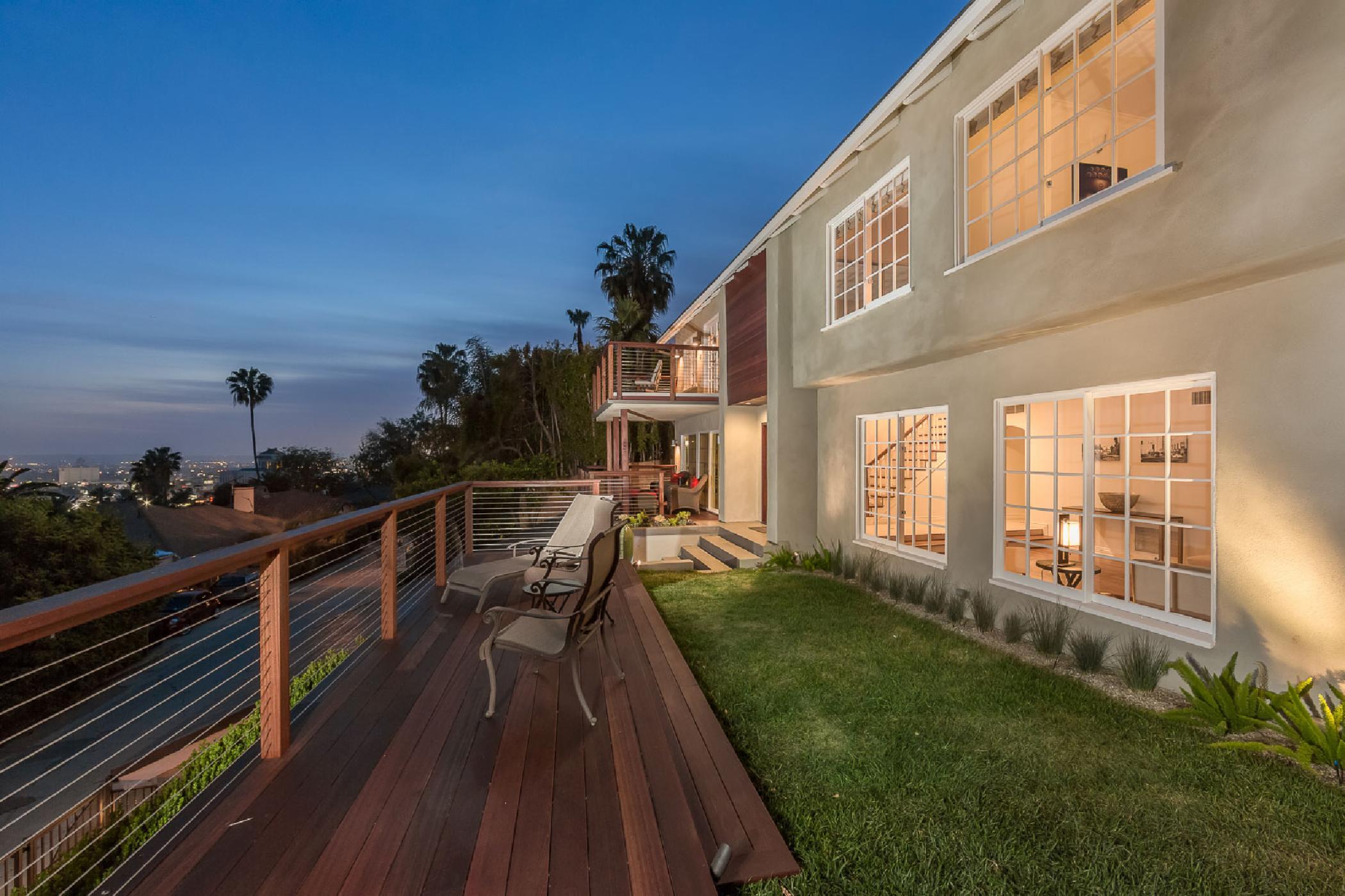 Hollywood Panoramic Villa