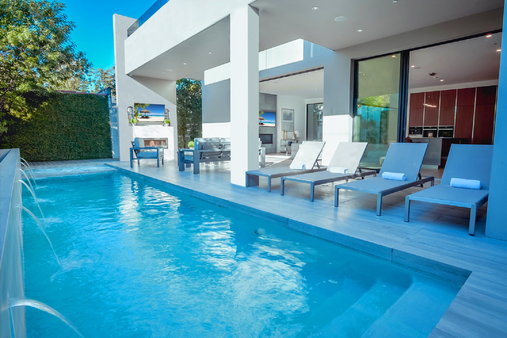 Modern Hollywood Luxury Estate