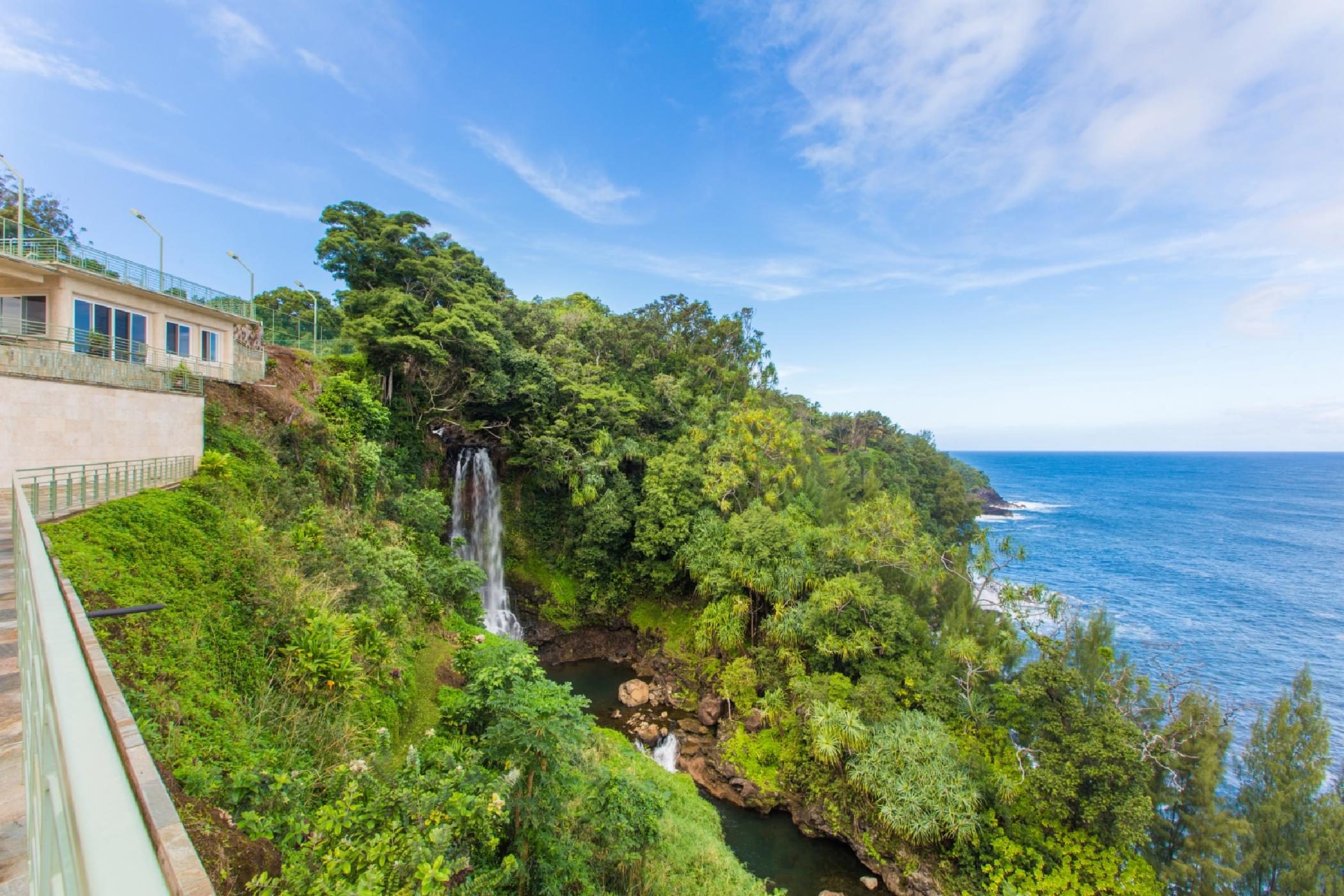 Waterfalling Estate