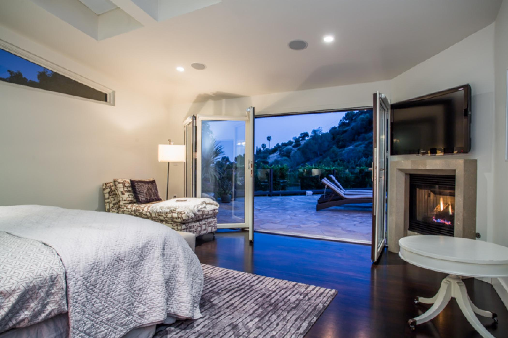 Hollywood Outpost Retreat