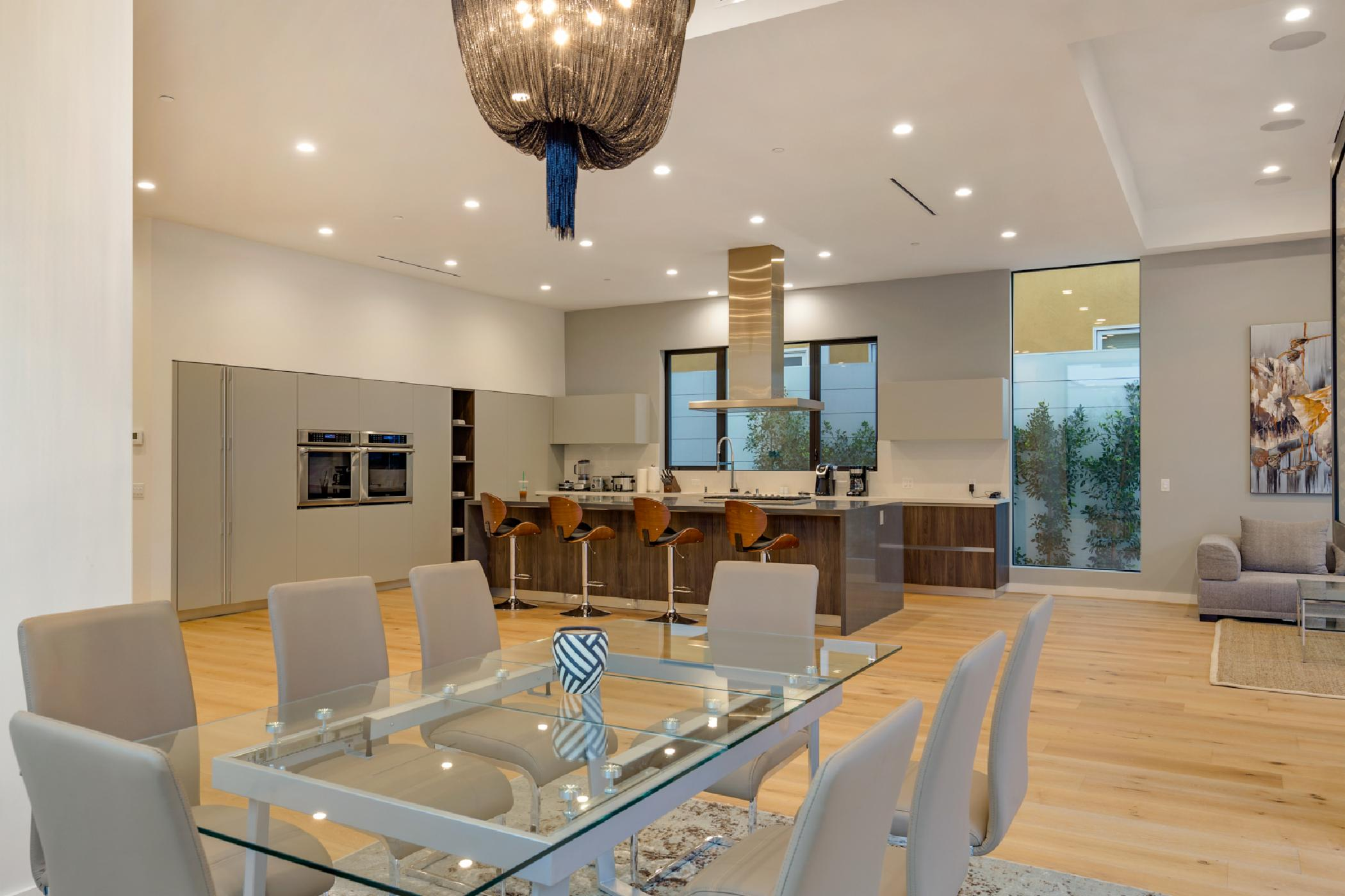 Beverly Crescent Luxury Villa