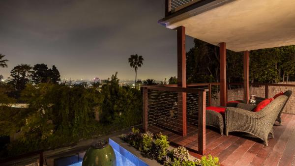 Hollywood Panoramic Villa