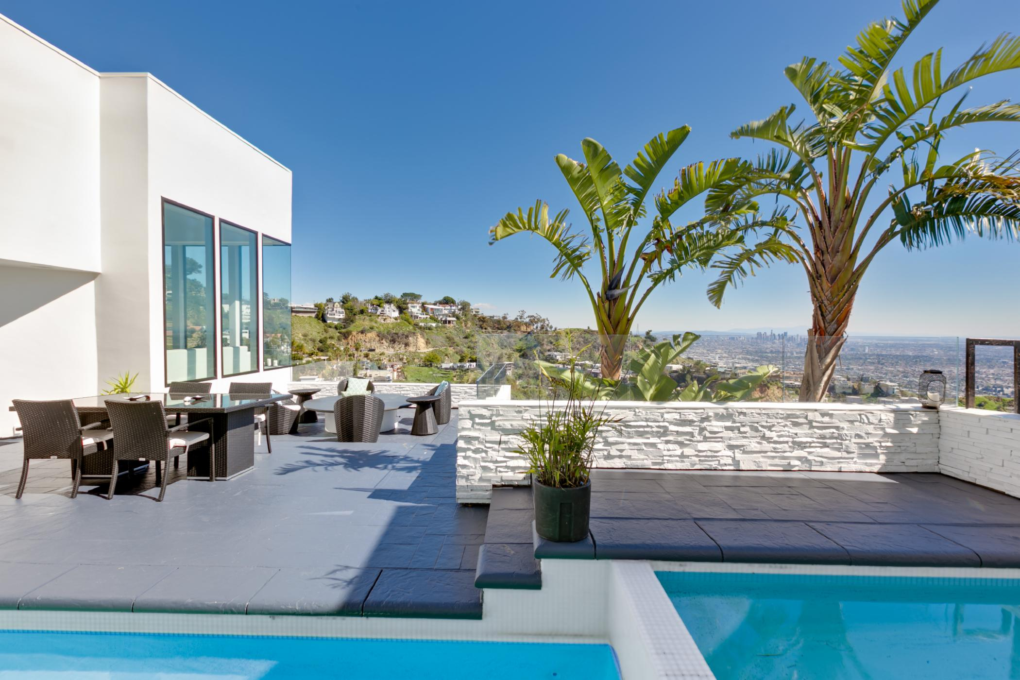 Sunset Plaza Modern Villa