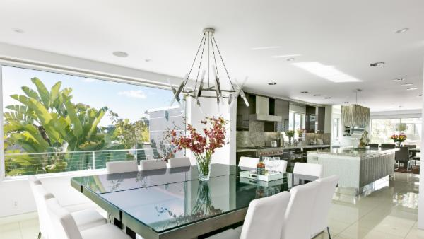 Hollywood Hills Contemporary