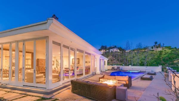 Hollywood Hills Luxury Overlook
