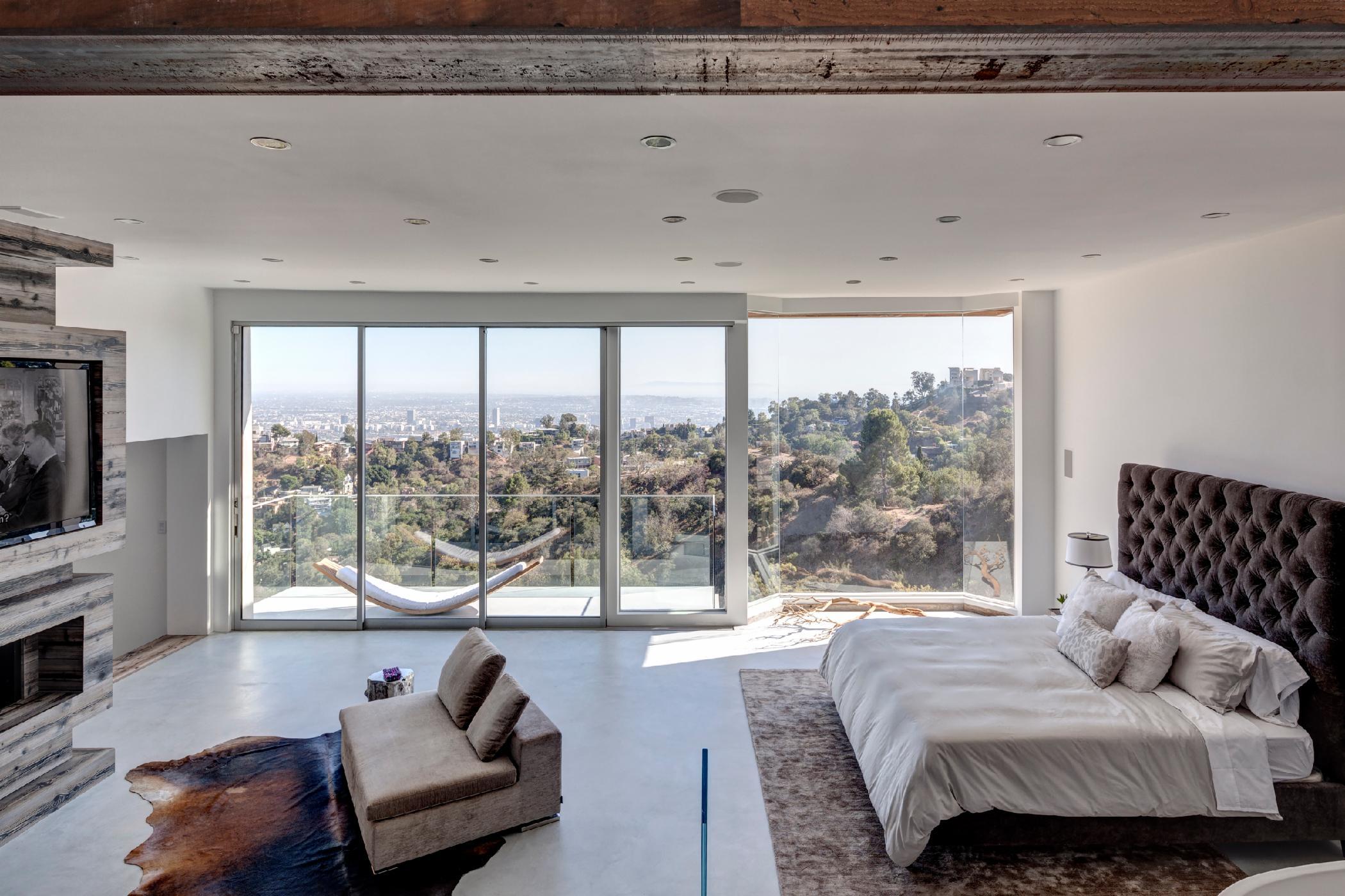 Ultramodern Rustic West Hollywood Vista
