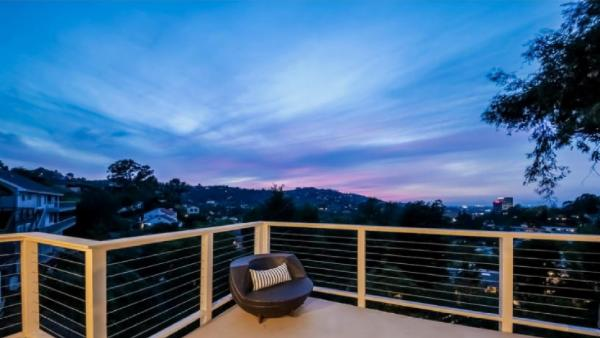 Hollywood Skyview Retreat