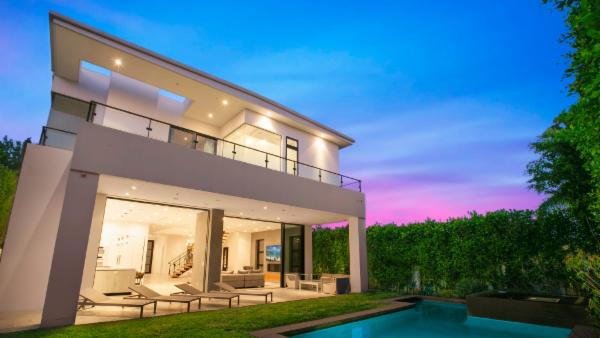 Tremendous Los Angeles Villas For Rent Luxury Vacation Rentals Interior Design Ideas Greaswefileorg