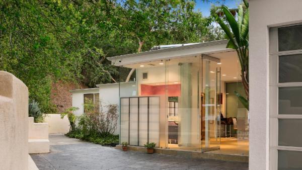 Beverly Hills Mid-Century Retreat