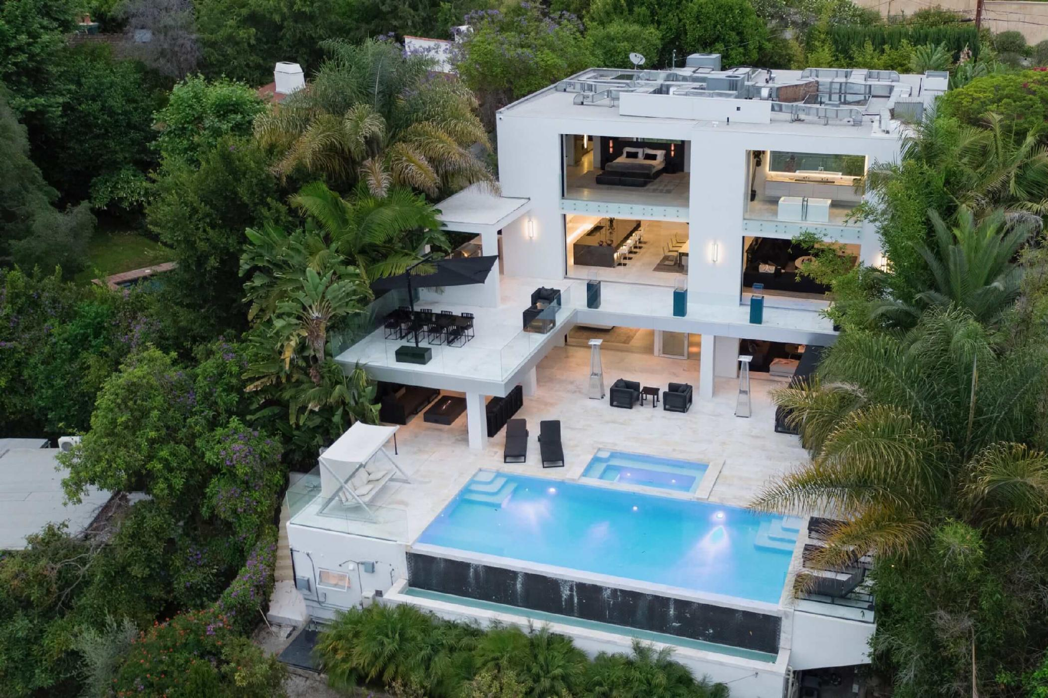 Hollywood Hills Celebrity Estate