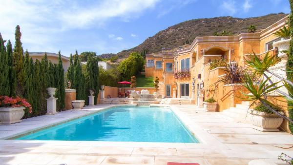 Malibu View Villa