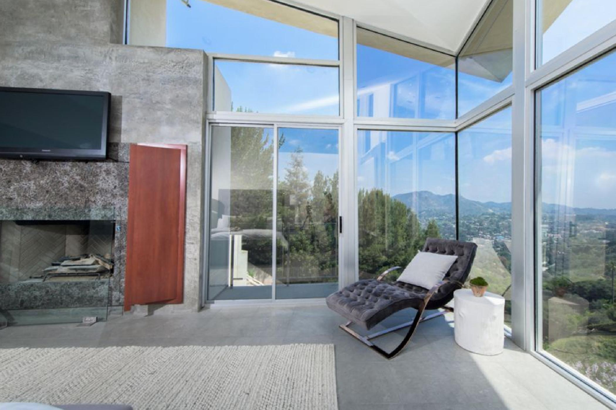 Mulholland Celebrity Estate