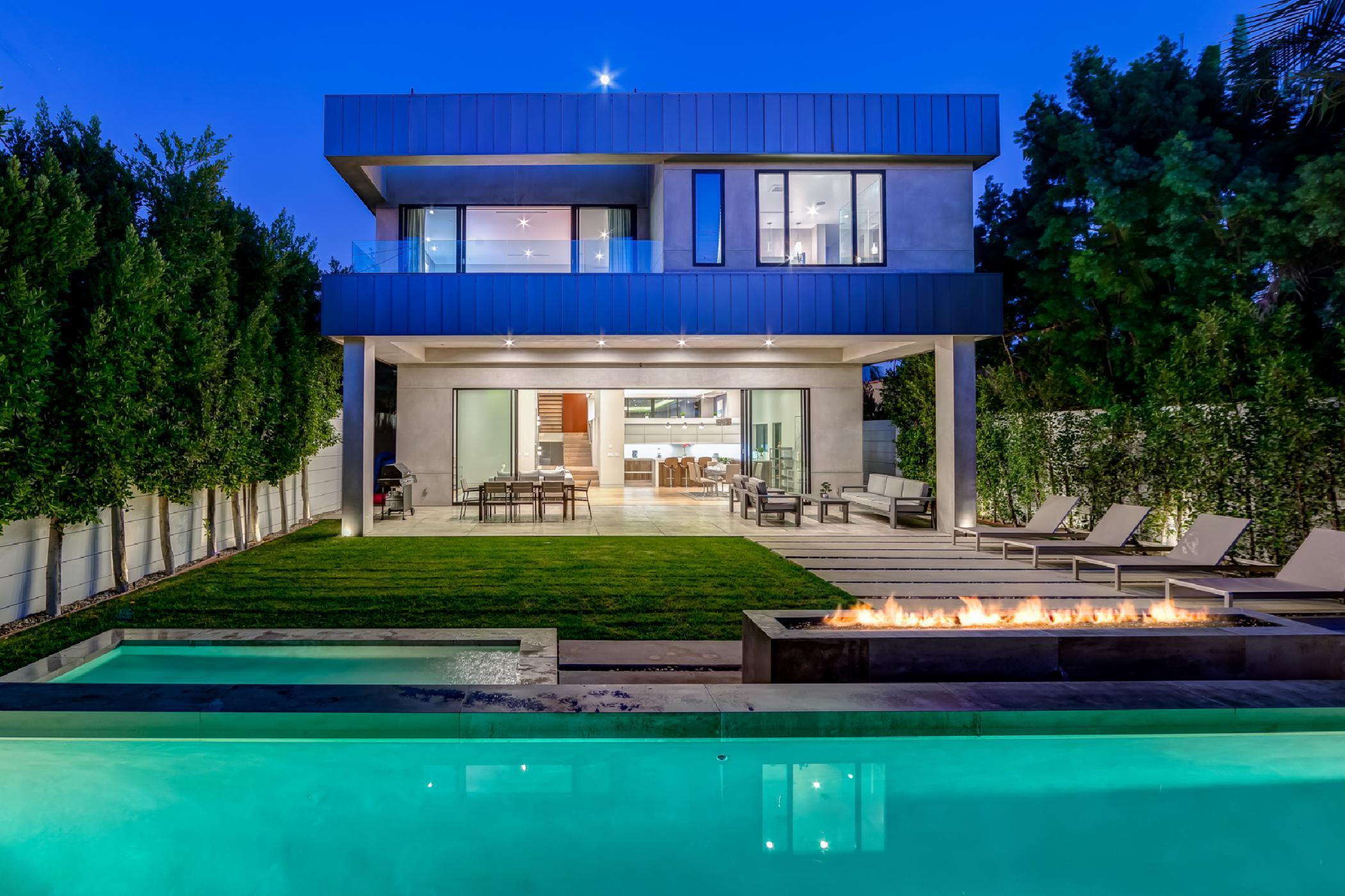 Beverly Modern Estate