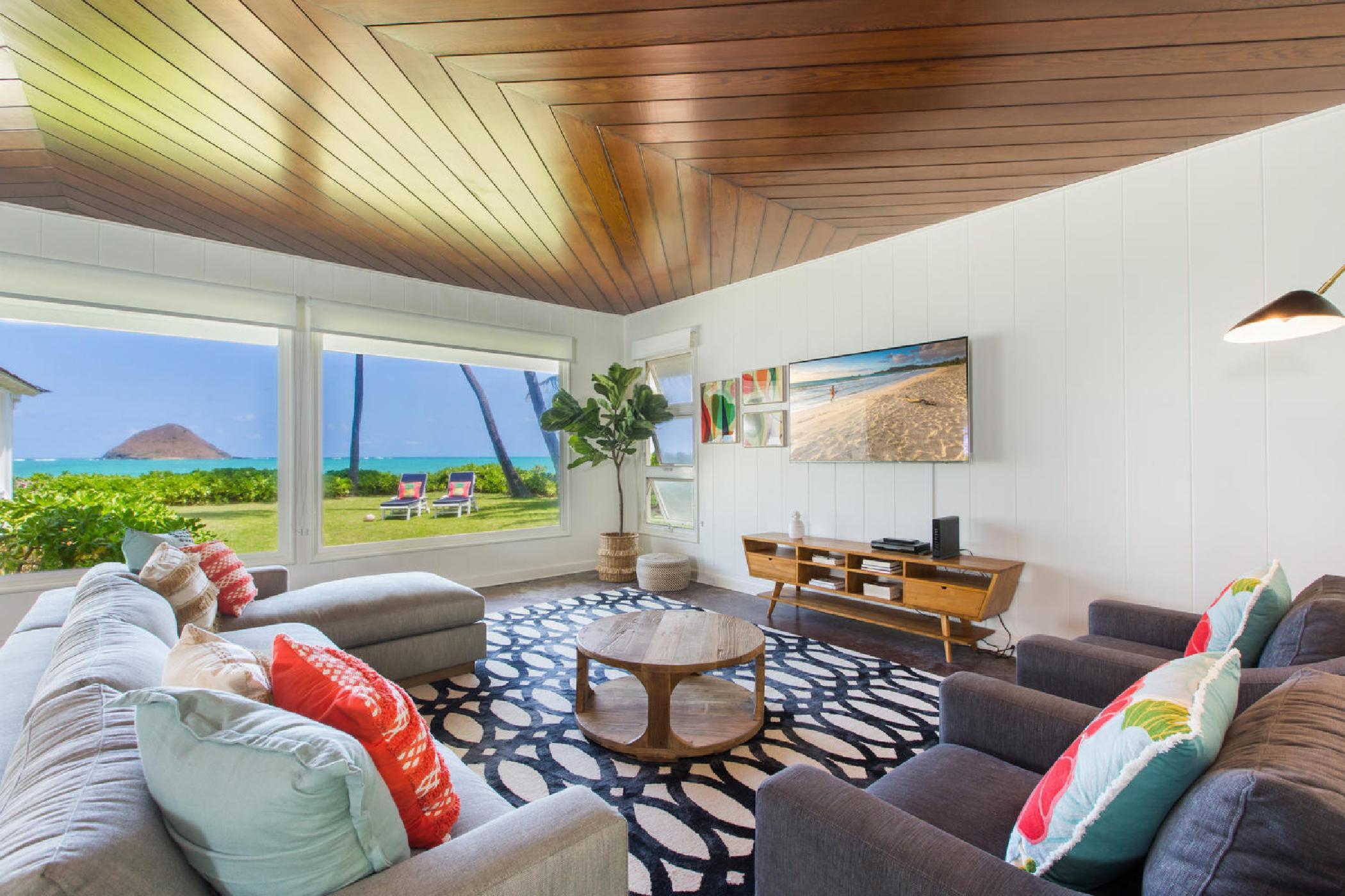 Lanikai Oceanside 4 Bedroom