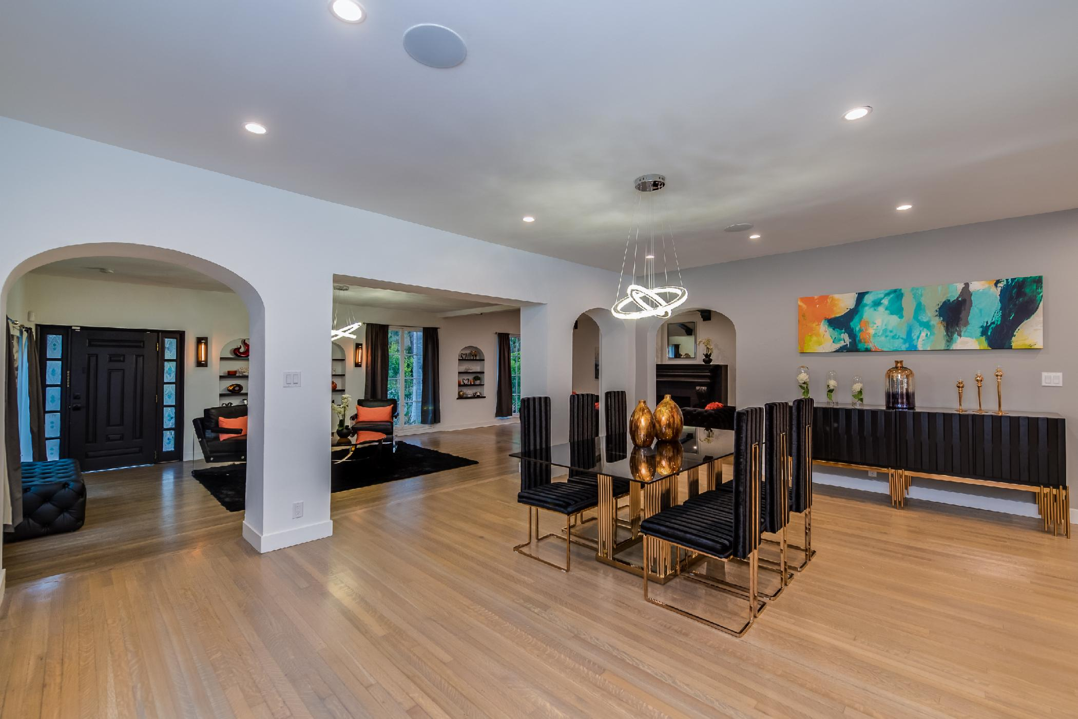 Carthay Contemporary Modern