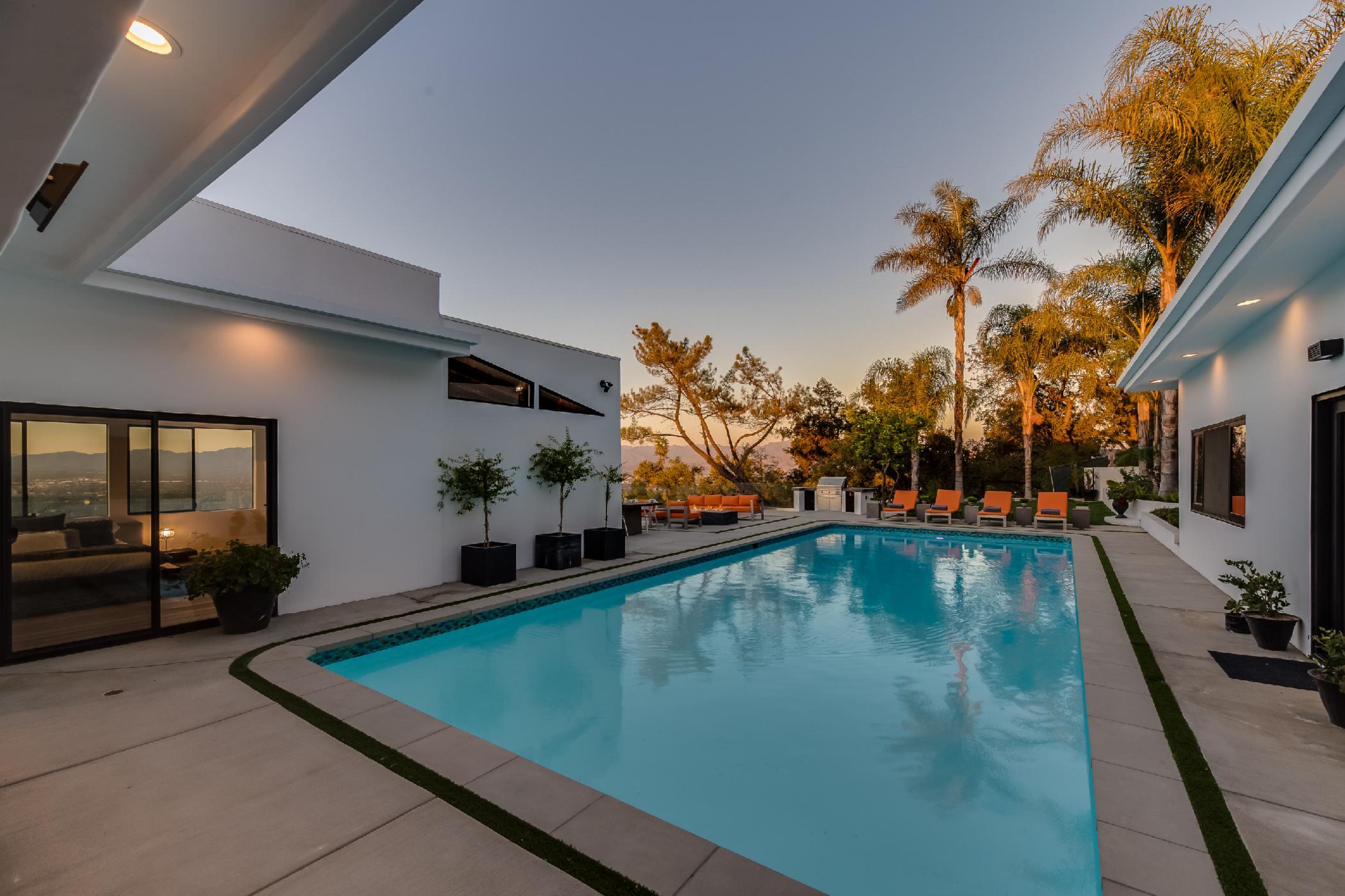 Beverly Hills Mansion Retreat