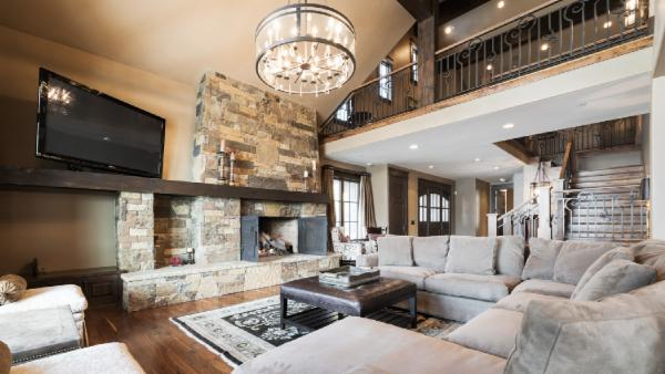 Sophisticated, Ski In/Ski Out Townhome with private hot tub and home theater