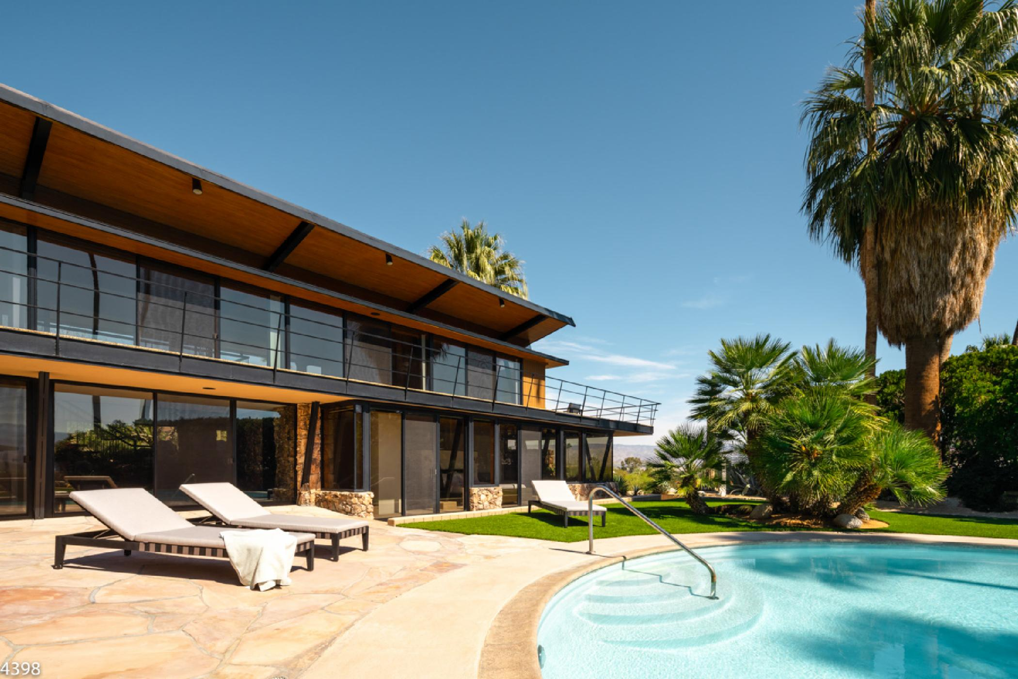 Notable Modern Estate with Beautiful Interior and Circular Pool